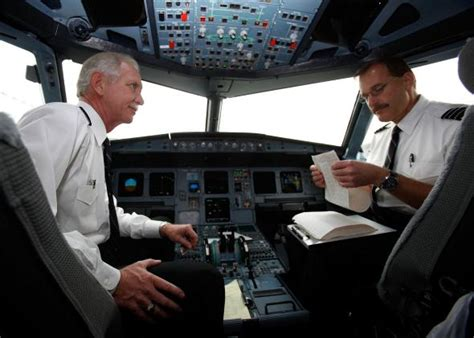 Airplane automation: One pilot in the cockpit might be