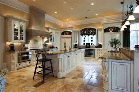Inside Kelly Clarkson's New Home in Tennessee - Zillow