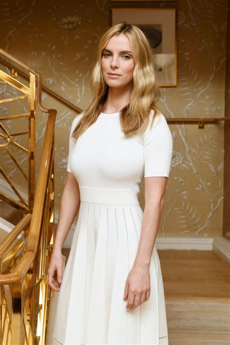32 Hot Pictures Of Betty Gilpin – Will Make Watch Show